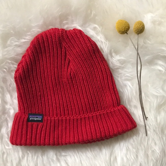 349824a9de2a3 PATAGONIA Fisherman s Rolled Beanie. M 5c031813409c157729bd0085. Other  Accessories ...